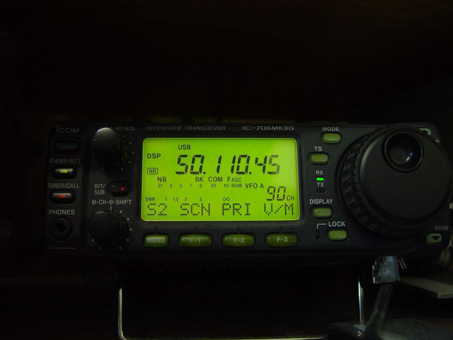 Best VHF Radio For Sea Kayaking
